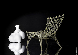 092 Wanders Cappellini Knotted Chair miniature Egg Vase
